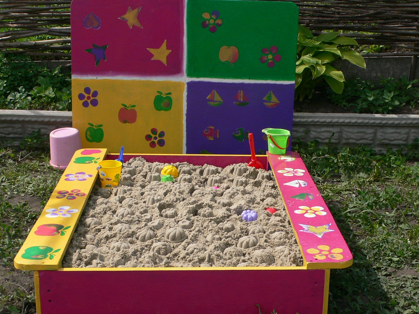 Как построить детскую песочницу своими руками 80